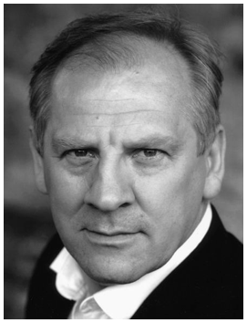 Headshot of Simon Slater